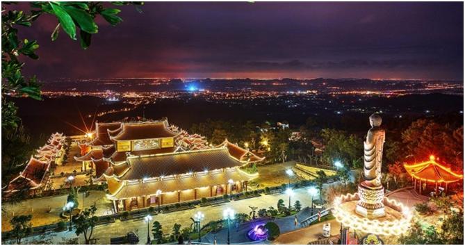 Phát triển kinh tế - du lịch ban đêm định hướng mũi nhọn của thành phố Uông Bí.
