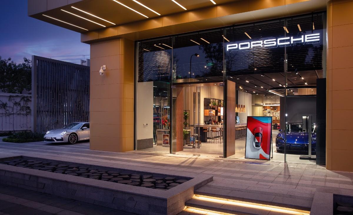 Bên ngoài Porsche Studio tại Hà Nội. Ảnh: Porsche.