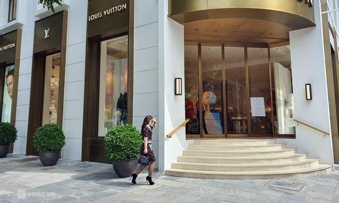 Một cửa hàng thời trang xa xỉ tại Hà Nội. Ảnh:Phương Ánh.