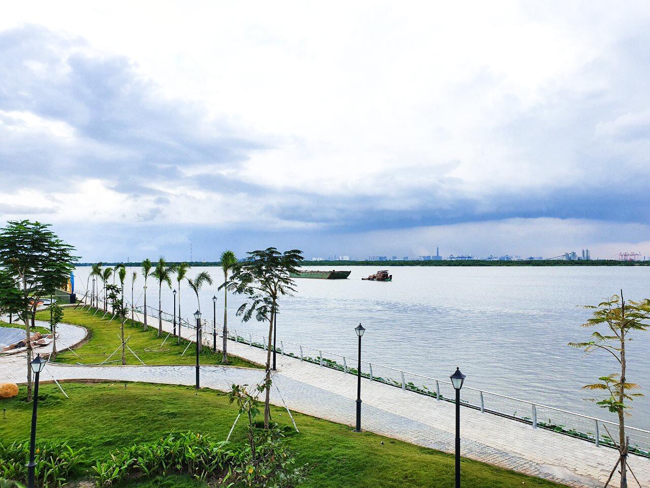 Những không gian sống mới đang hiện diện ngày một nhiều bên sông Đồng Nai. Ảnh: King Bay.