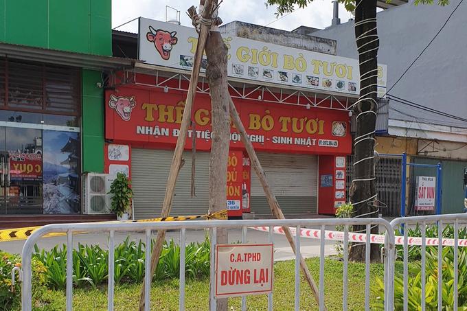 Nhà hàng ở Hải Dương đóng cửa do liên quan đến ca dương tính. Ảnh: Giang Chinh.