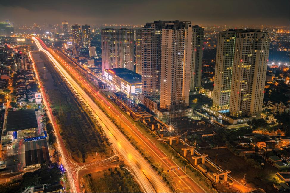 Cung đường Xa lộ Hà Nội là một trong những tuyến đường giá trị nhất hiện nay tại khu Đông với hàng loạt tiện ích cao cấp. Ảnh: Shutterstock.