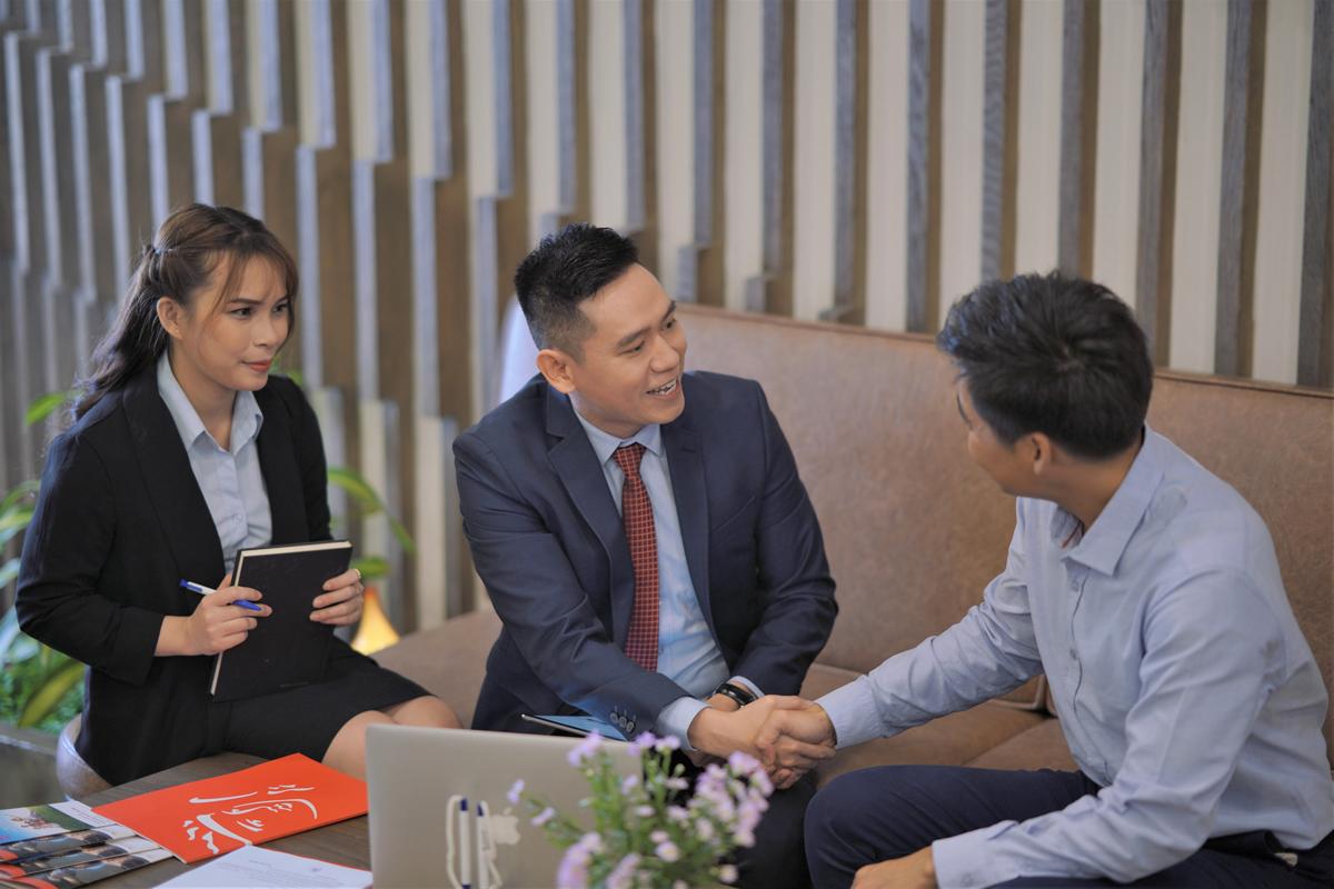 Prudential Việt Nam cam kết đặt khách hàng làm trọng tâm trong mọi hoạt động. Ảnh: PVA.