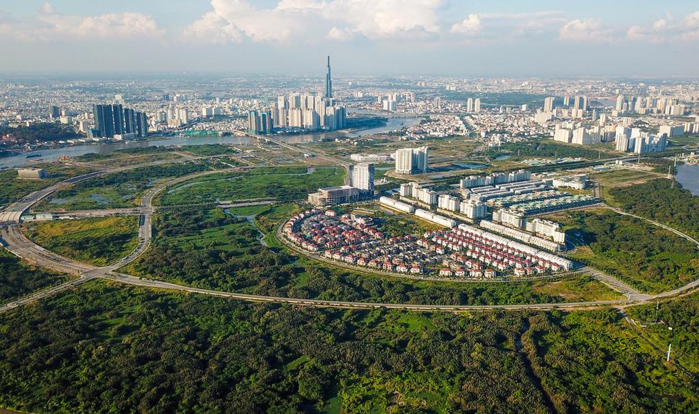 Thị trường nhà ở tại khu Thủ Thiêm, quận 2, một trong ba mắt xích quan trọng của TP Thủ Đức. Ảnh: Quỳnh Trần.