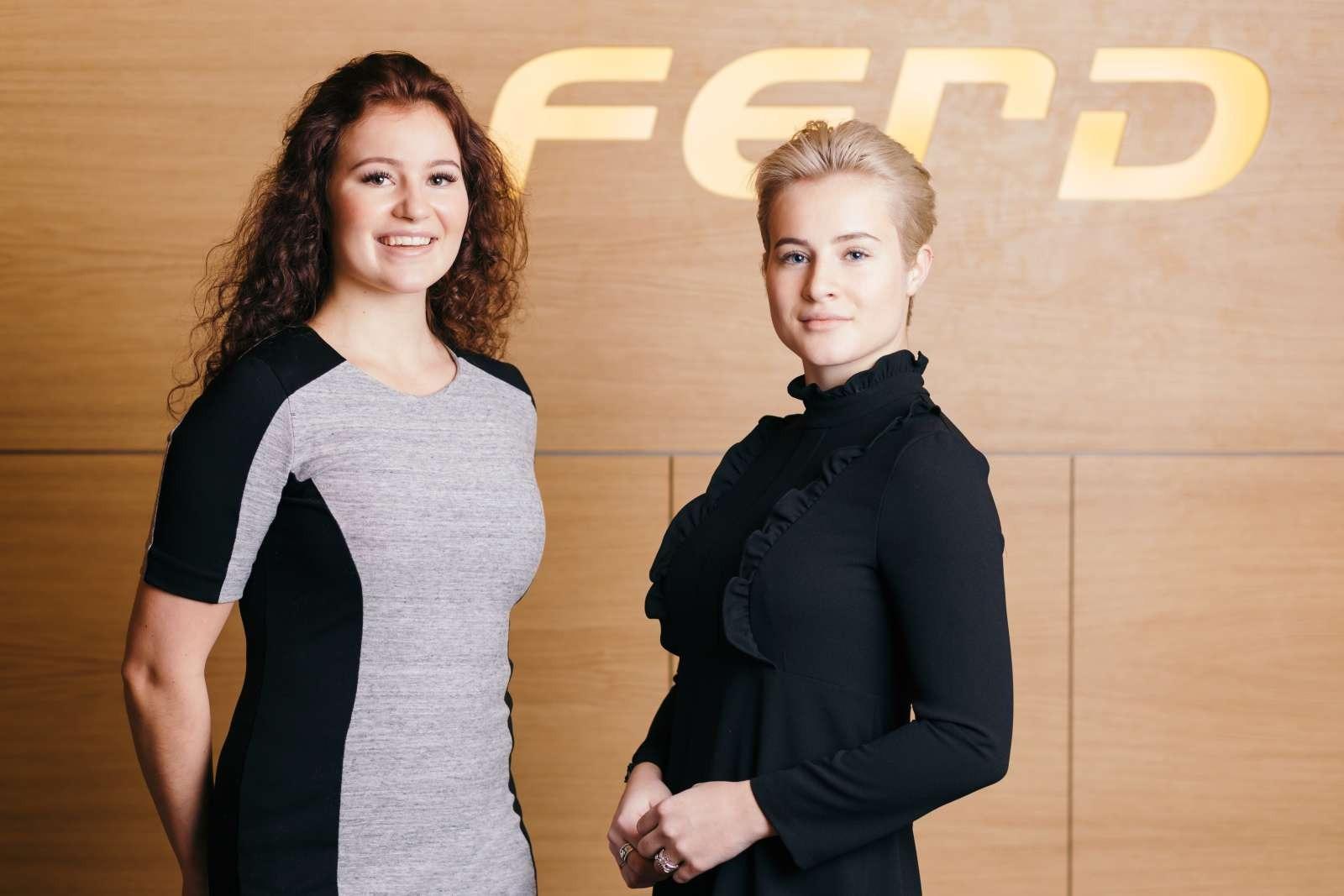 Alexandra Andresen (bên trái) và Katharina Andresen. Ảnh: Ferd.