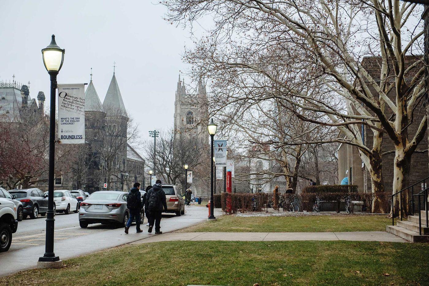 Đại học Toronto (Canada). Ảnh: Bloomberg