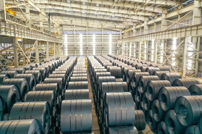 Thép HRC, mác SPA-H đặc chủng là loại nguyên liệu sẽ được Hoà Phát dùng để sản xuất container. Ảnh: Nguyên Nghi