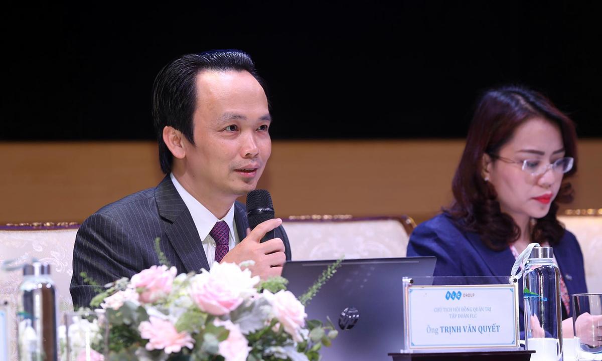 Ông Trịnh Văn Quyết chia sẻ thông tin về Bamboo Airways tại phiên đại hội cổ đông FLC hôm 12/4. Ảnh: FLC