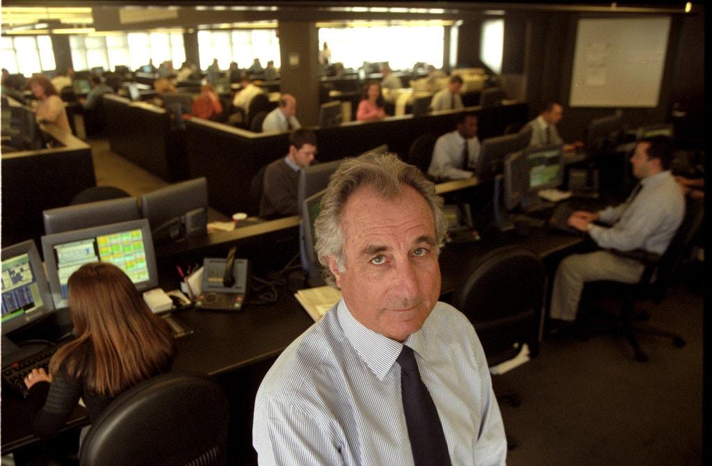 Bernard Madoff tại văn phòng năm 1999. Ảnh: New York Times