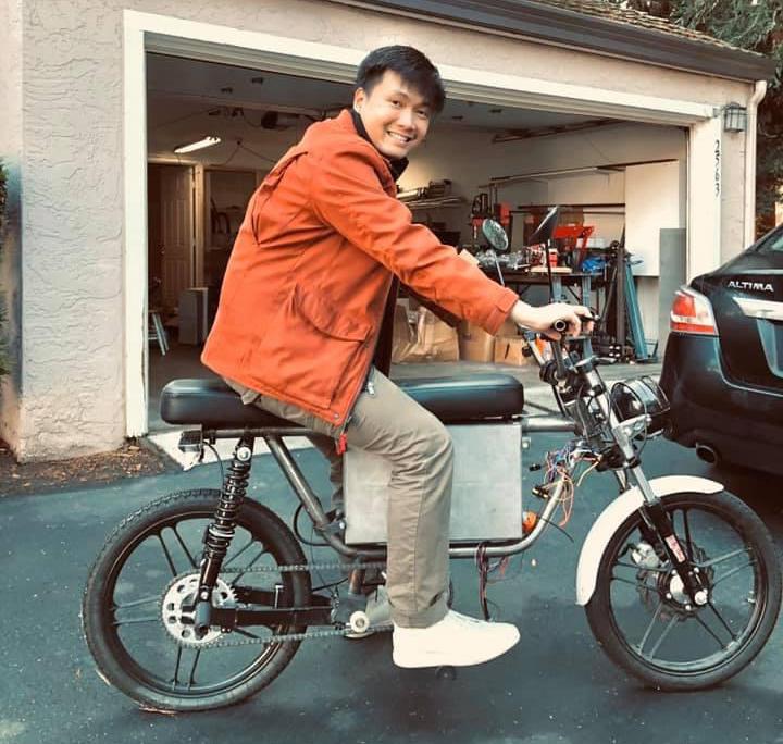 Sản phẩm xe máy điện Nguyễn Bá Cảnh Sơn làm ra từ lúc còn sơ khai.