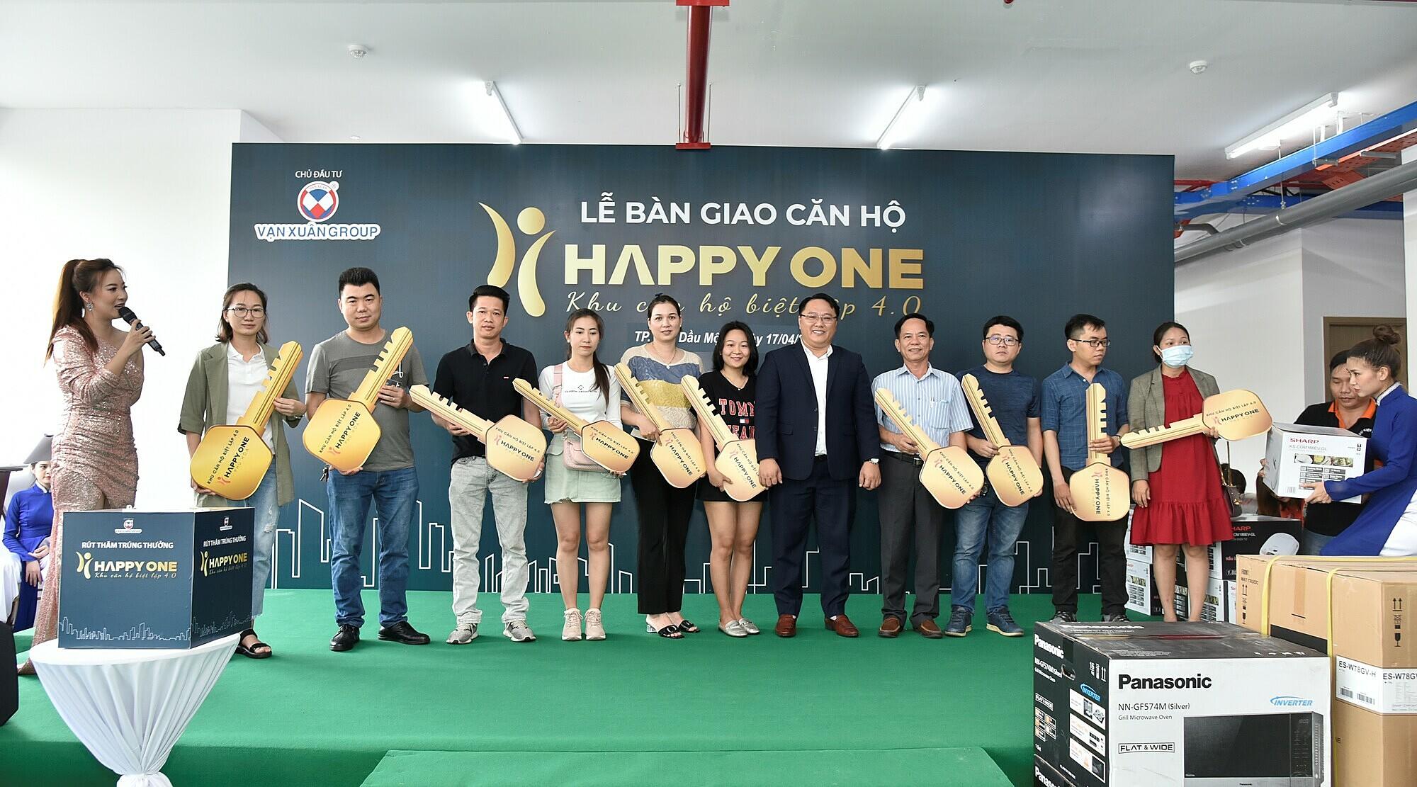 Vạn Xuân Group bàn giao trước tiến độ căn hộ Happy One – Phú Hòa