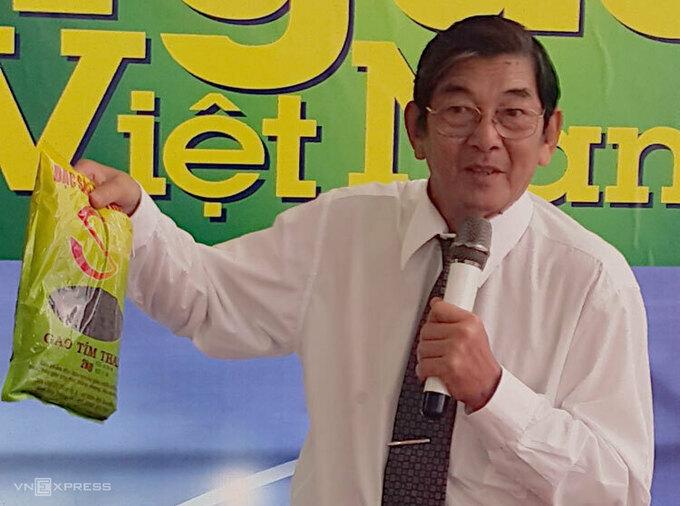 Kỹ sư Hồ Quang Cua, cha đẻ của giống gạo ST25. Ảnh: HM.