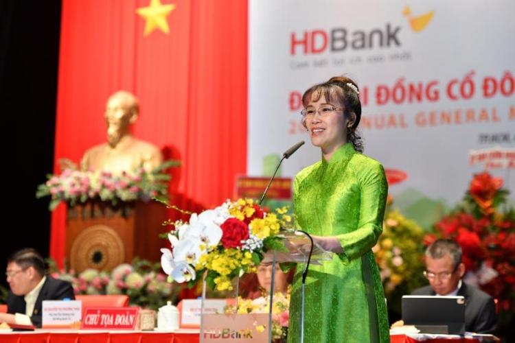 Bà Nguyễn Thị Phương Thảo tại phiên họp thường niên sáng 23/4. Ảnh: HDBank.