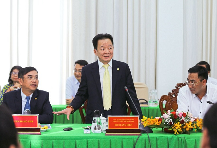 ông Đỗ Quang Hiển, Chủ tịch Tập đoàn T&T Group ký thỏa thuận hợp tác chiến lược.