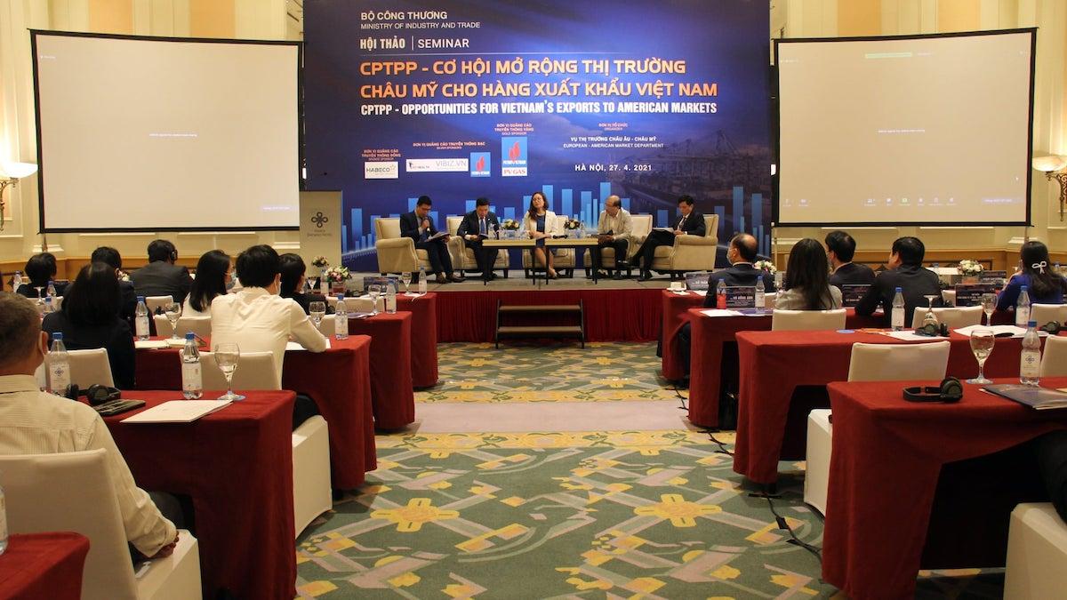 Các diễn giả tham dự hội thảo ngày 27/4.