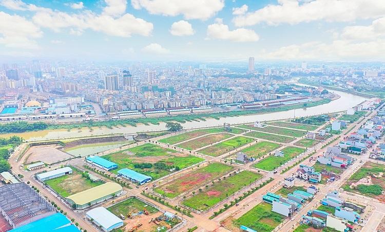 Khu vực bờ sông Kalong - trung tâm của trục hành lang kinh tế cửa khẩu. Ảnh: SGO Group.