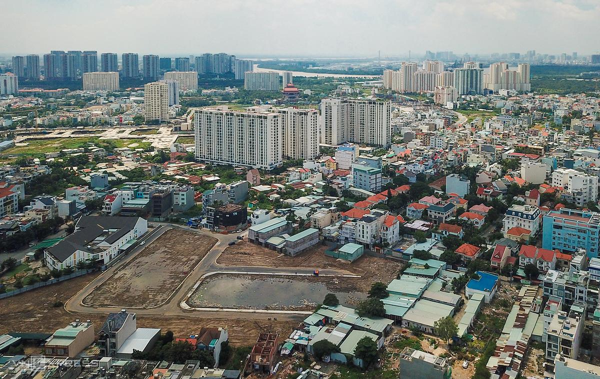 Những nhà phố, đất nền tại khu vực quận 2, TP HCM. Ảnh: Quỳnh Trần.