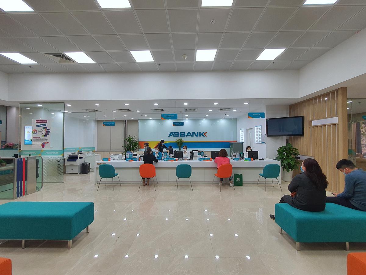 ABBank hướng đến mục tiêu nâng cao trải nghiệm dịch vụ tài chính số cung cấp cho khách hàng. Ảnh: ABBank