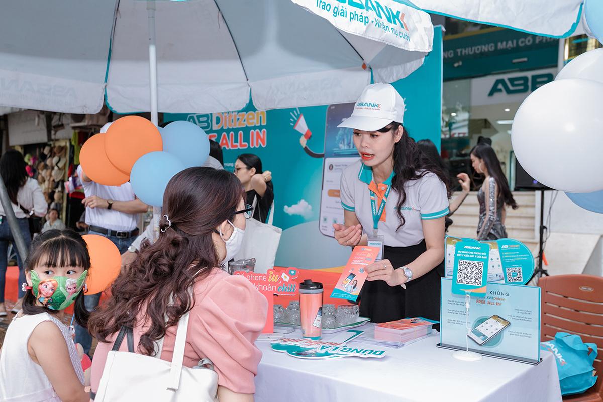 Ngày hội Công dân số - Ditizen ngập phố của ABBank thu hút khoảng 20.000 tài khoản khách hàng mở mới sau 3 ngày triển khai. Ảnh: ABBank