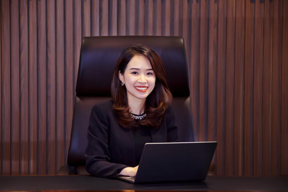 Bà Trần Thị Thu Hằng đảm nhiệm vị trí Chủ tịch Hội đồng quản trị Kienlongbank (KSBank) nhiệm kỳ 2018-2022.