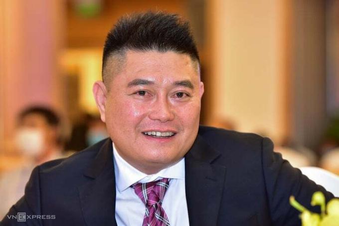 Ông Nguyễn Đức Thuỵ tại phiên họp thường niên chiều 29/4. Ảnh:Quỳnh Trần.