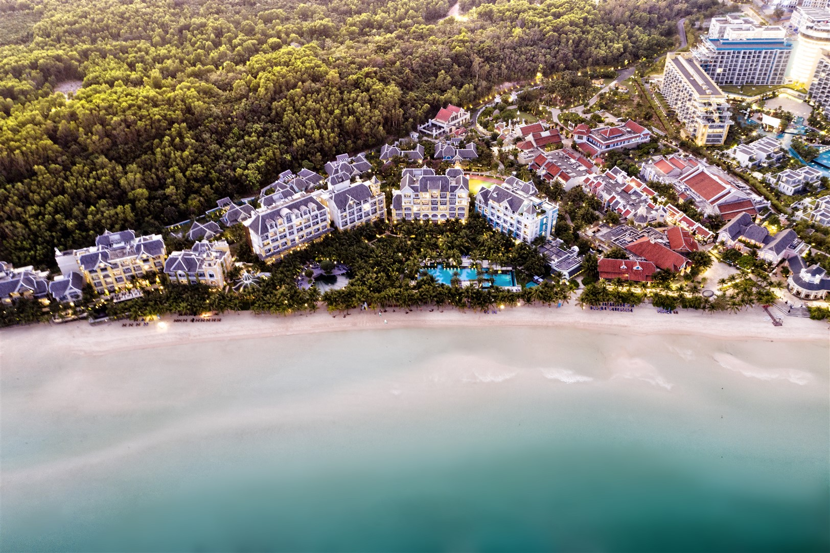 Hệ sinh thái đẳng cấp 3 chân kiềng của Sun Group tại Nam Phú Quốc.
