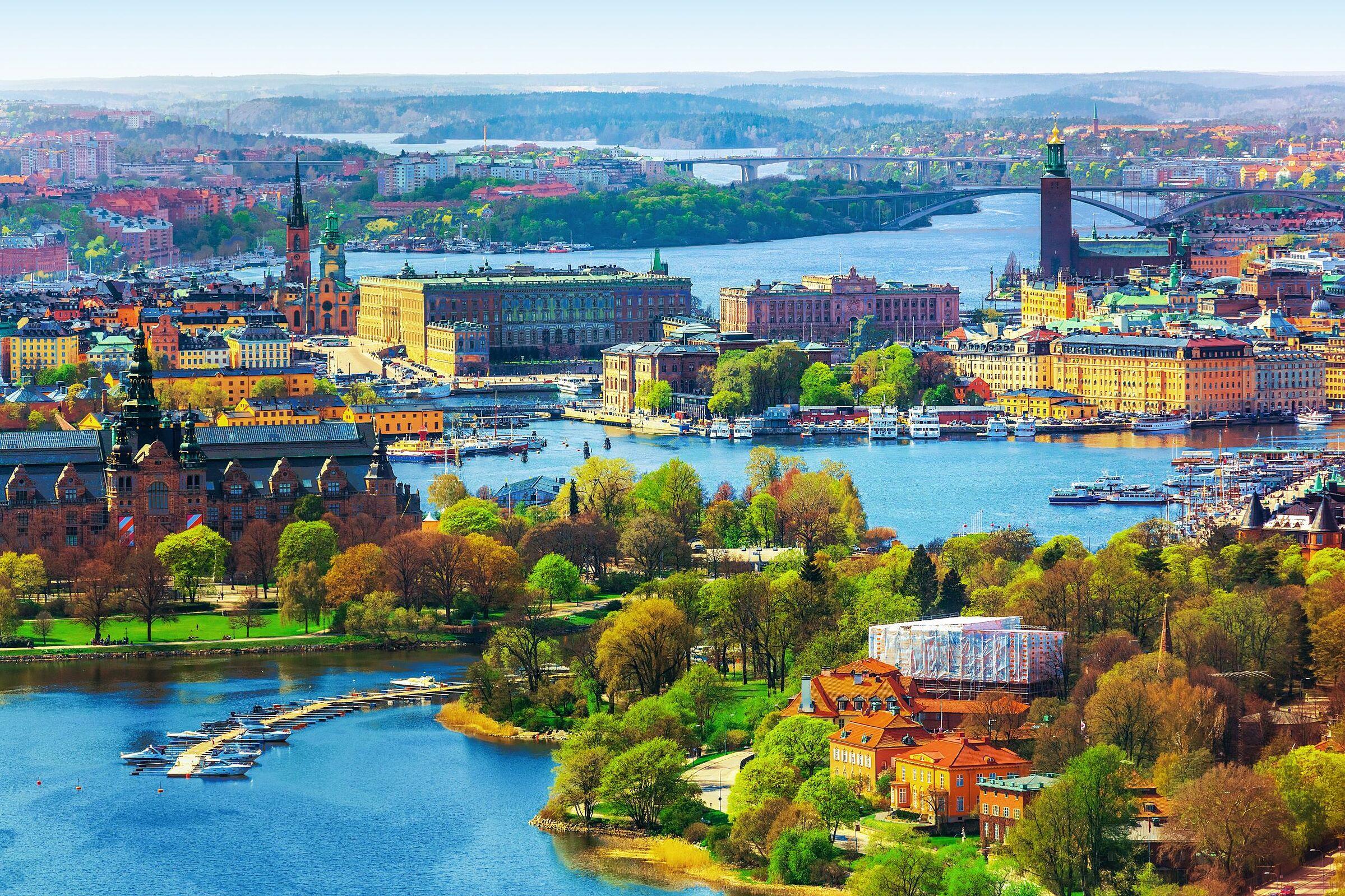 Thủ đô Stockholm của Thụy Điển trở thành một trong những thành phố đáng sống nhất trên thế giới nhờ các giải pháp xanh và công nghệ thông minh thân thiện môi trường. Ảnh: Shutterstock.