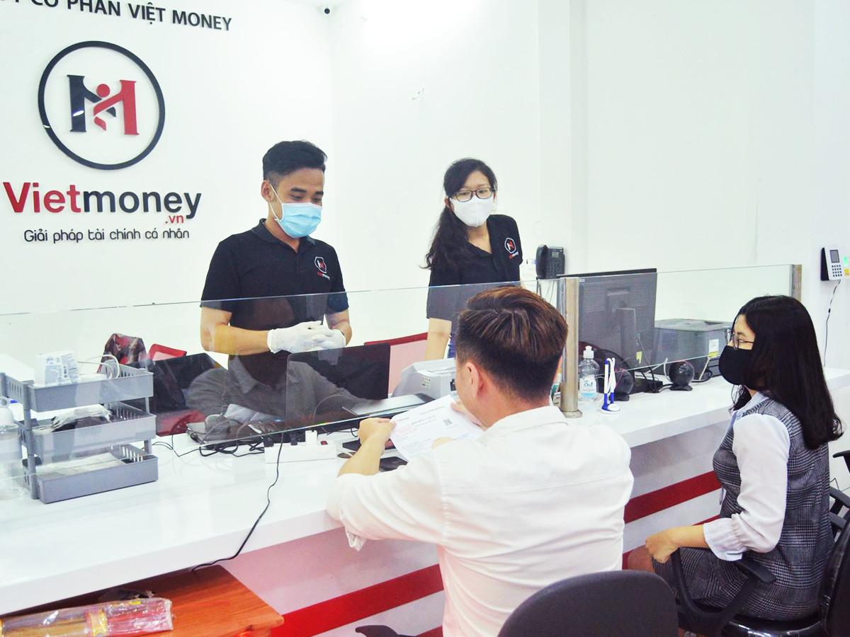 Vietmoney hợp tác cùng Viettel nhằm mang đến cho khách hàng những trải nghiệm dịch vụ tài chính tiêu dùng cá nhân tiện lợi.