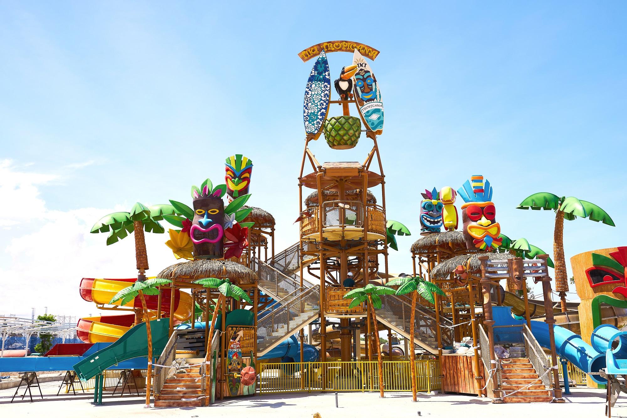 Nhiều hạng mục trò chơi tại công viên giải trí Tropicana Park đã được lắp đặt. Ảnh thực tế tại công trường tháng 5/2021. Ảnh: Novaland.
