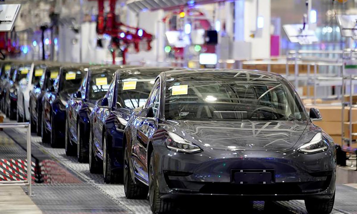 Tesla Model 3 tại nhà máy Thượng Hải, Trung Quốc hồi tháng 1/2020. Ảnh: Reuters