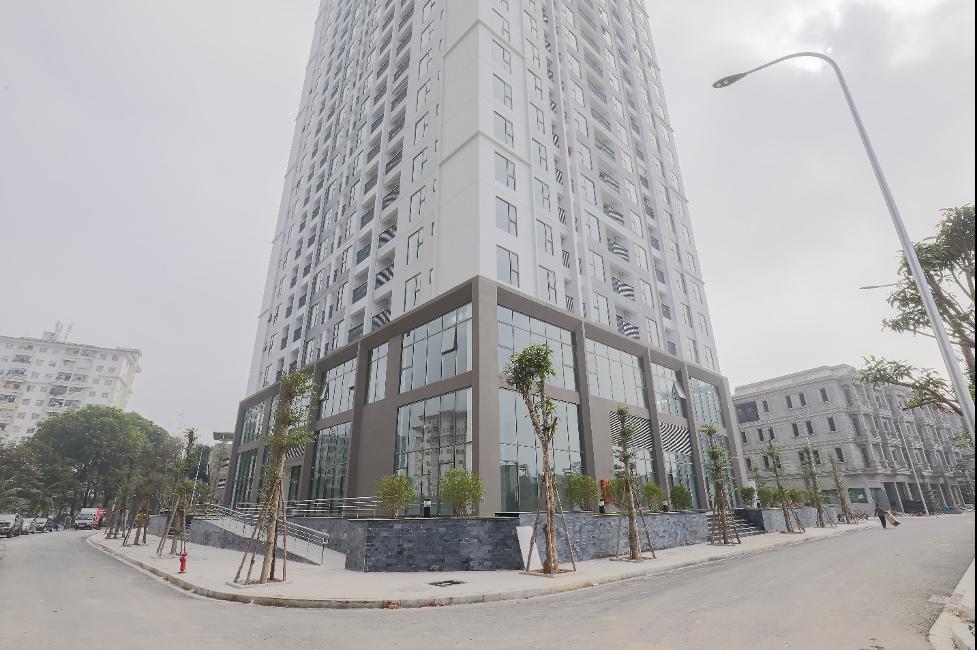 Tòa DV02 dự án Rose Town đã đi vào sử dụng, tòa DV03 đang hoàn thiện để bàn giao cho cư dân. Ảnh: Xuân Mai Corp.