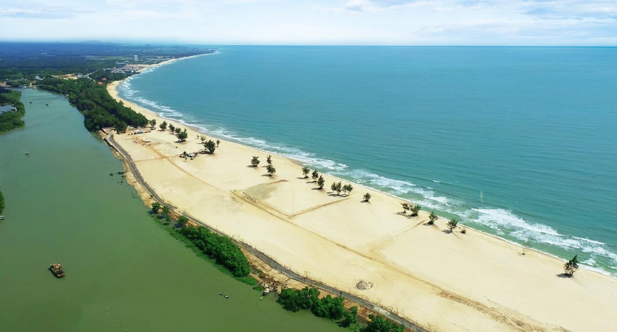 Địa thế sông biển giao hoà tại Habana Island nhìn từ flycam. Ảnh: Novaland.