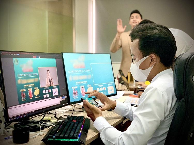Phú Mỹ Holdings bán bất động sản online.