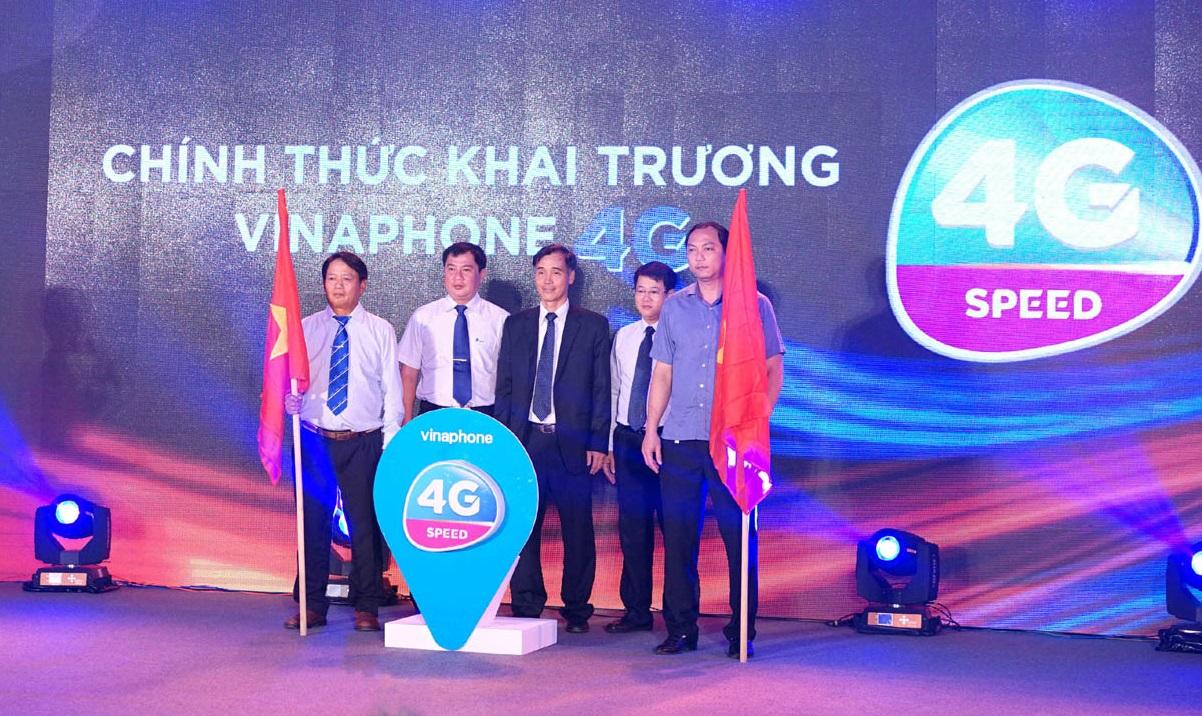 Ngày 3/11/2016, VNPT VinaPhone đã chính thức khai trương dịch vụ viễn thông VinaPhone 4G trên băng tần 1800MHz tại Phú Quốc, sau 5 ngày kể từ khi được Bộ Thông tin và Truyền thông cấp phép. Ảnh: VinaPhone