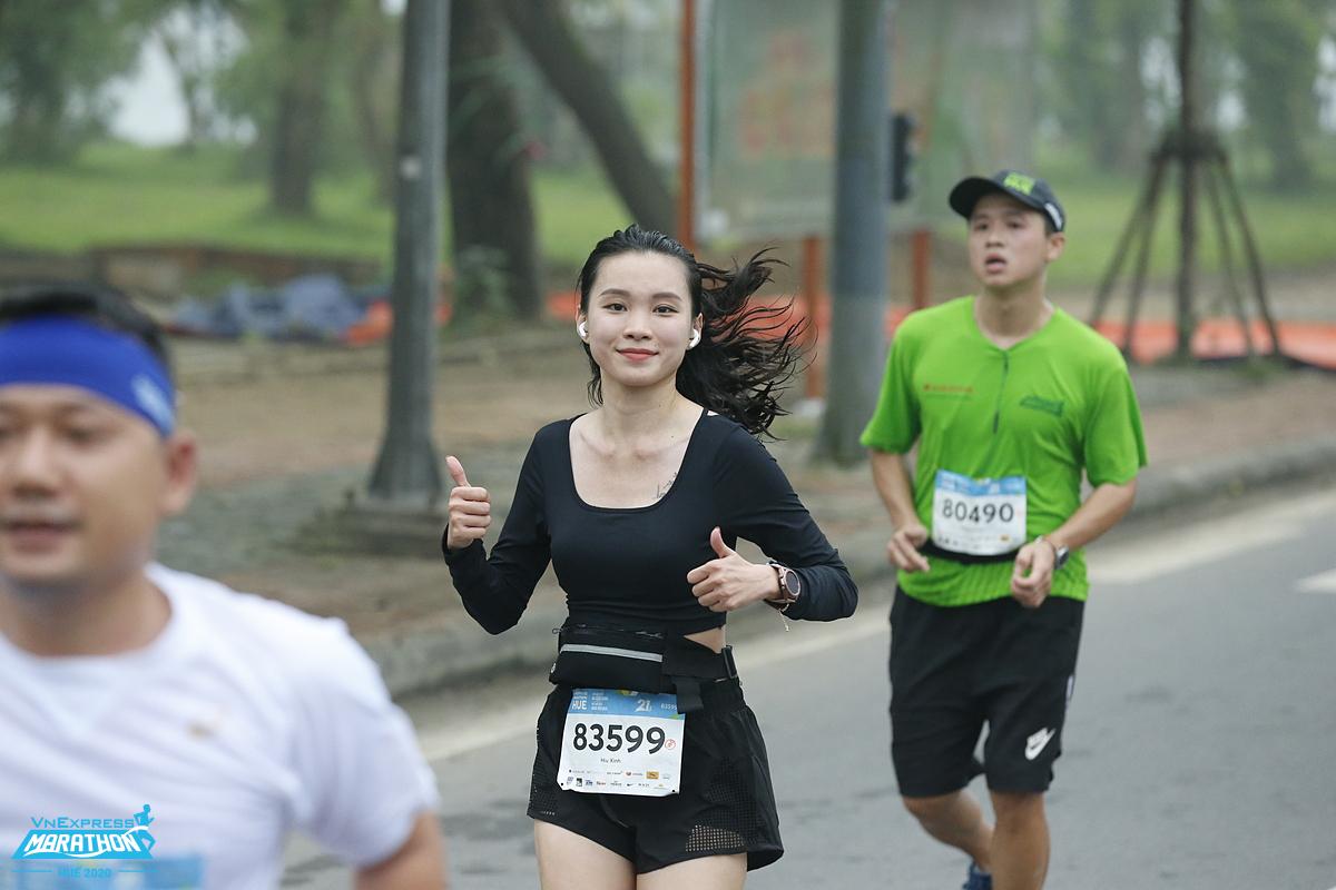 Cùng miền Tây vượt hạn mặn thu hút sự tham gia của runner khắp cả nước. Ảnh: VnExpress Marathon.