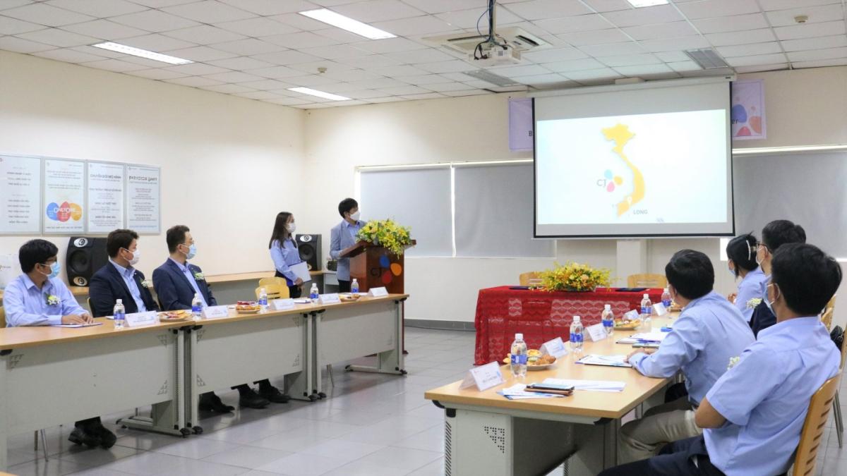Toàn cảnh buổi lễ ký kết hợp tác chiến lược giữa CJ Vina Agri và AFB tại Trụ sở chính CJ Vina Agri, huyện Bến Lức, tỉnh Long An.