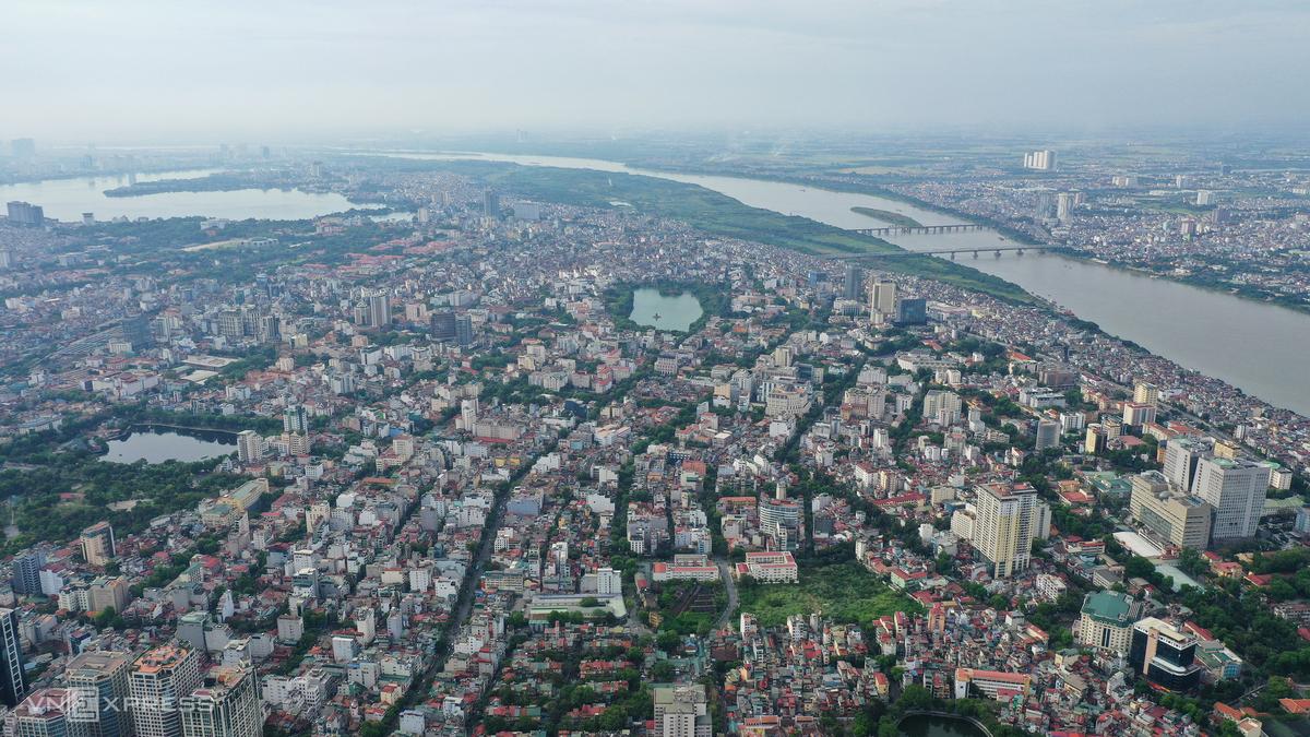 Trung tâm quận Hoàn Kiếm nhìn từ trên cao. Ảnh: Ngọc Thành.
