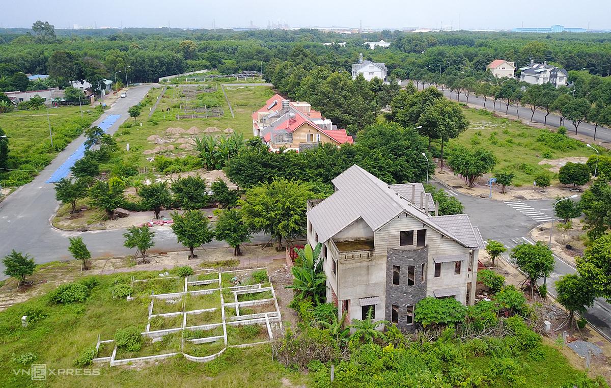 Thị trường đất nền và bất động sản liền thổ TP HCM. Ảnh: Như Quỳnh.