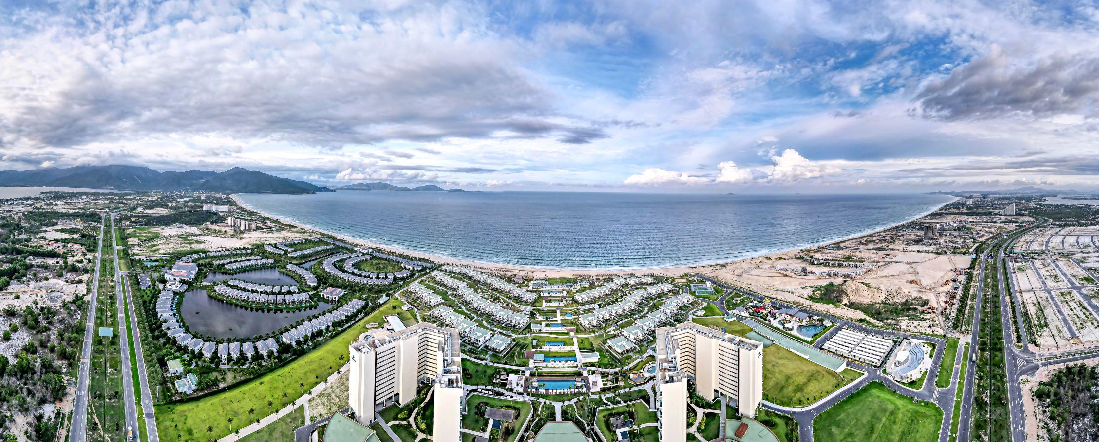 Cam Ranh đang là bán đảo nghỉ dưỡng tầm cỡ được du khách quốc tế chú ý. Nguồn: Shutterstock.