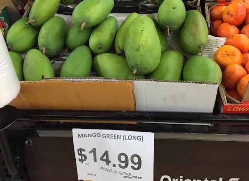Trái xoài xanh Việt Nam được xuất khẩu sang Australia, giá bán 15 - 17 AUD một kg. Ảnh: Thương vụ Việt Nam tại Australia