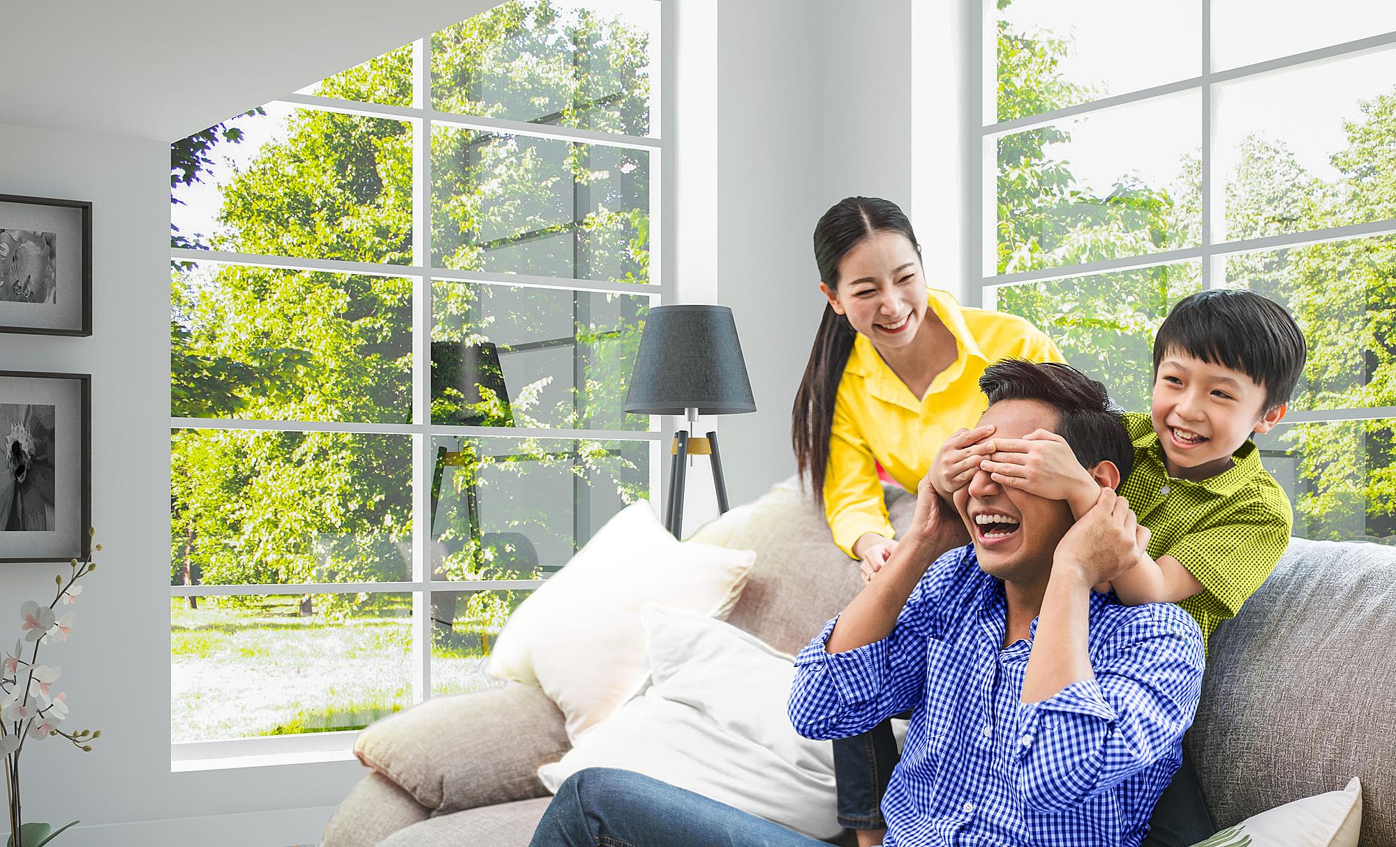 Khách hàng tham gia bảo hiểm Sun Life Việt Nam qua ACB có cơ hội nhận thẻ quà tặng hấp dẫn.