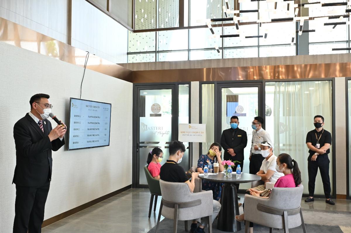 Khách hàng đặt kỳ vọng cao vào tiềm năng gia tăng giá trị của Masteri West Heights. Ảnh: Masterise Homes.