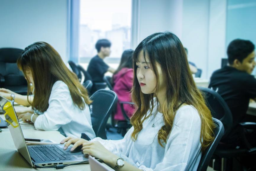 Với ITNavi, nhà tuyển dụng dễ dàng tìm được ứng viên phù hợp dựa trên 5 tiêu chí: kỹ năng, số năm kinh nghiệm, vị trí, có nhu cầu apply vào công ty và trình độ ngoại ngữ (nếu có).