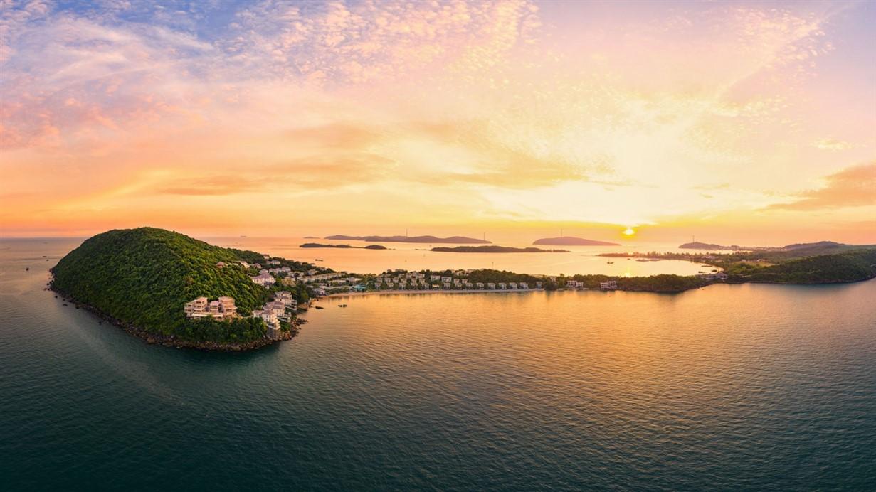 Nam Phú Quốc có không ít khu nghỉ dưỡng sang trọng nổi tiếng trên thế giới. Ảnh: Khang Vinh.