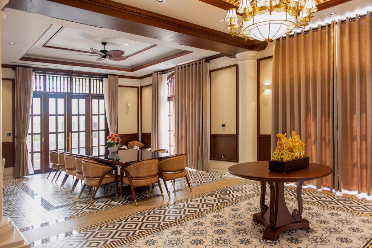 Thiết kế nội thất sang trọng trong biệt thự Beverly Hills Hạ Long.