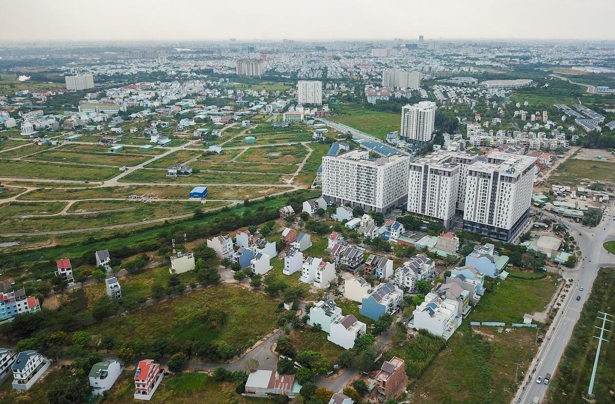 Thị trường nhà ở tại TP Thủ Đức. Ảnh: Quỳnh Trần.