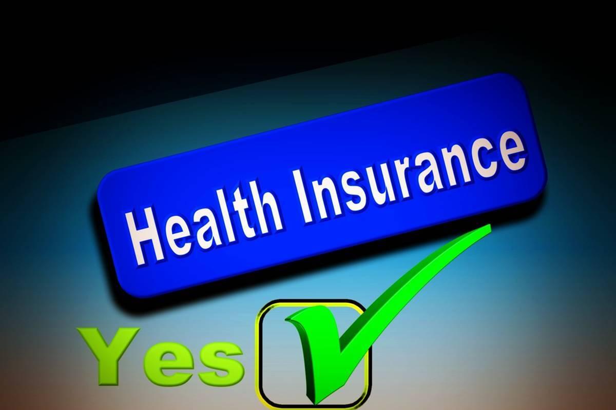 Những người trẻ nên mua bảo hiểm y tế để bảo vệ bản thân ở cả hiện tại và tương lai. Ảnh: Financial Express.