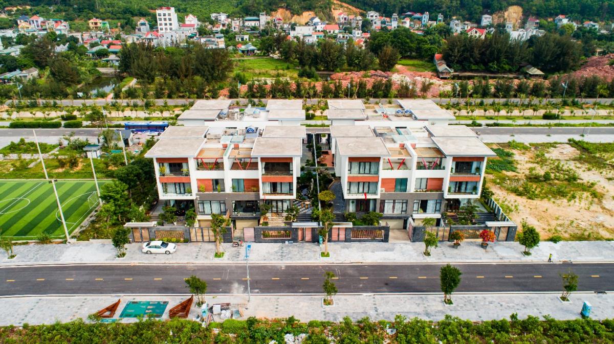 Nhiều căn biệt thự trong khu đô thị đã hoàn thiện và đón người vào ở, khai thác kinh doanh. Nguồn:
