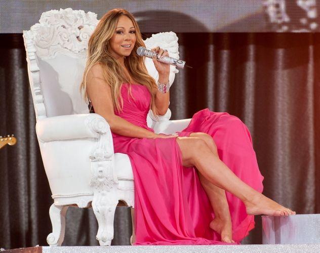 Mariah Carey không ngần ngại chi ra cả triệu đô la để bảo vệ đôi chân có chiều dài khiêm tốn của mình.