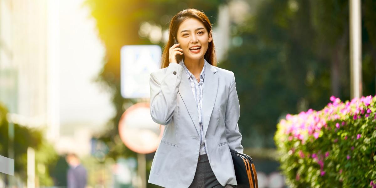 Mỗi người cần lên kế hoạch chi tiêu cụ thể và có thể nâng cao giá trị tài sản bằng cách đầu tư. Ảnh: Sun Life Việt Nam